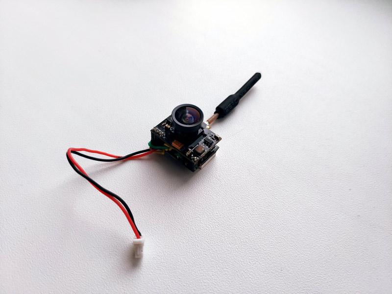 Вес камеры менее 5 грамм - Nanopix останется таким же шустрым